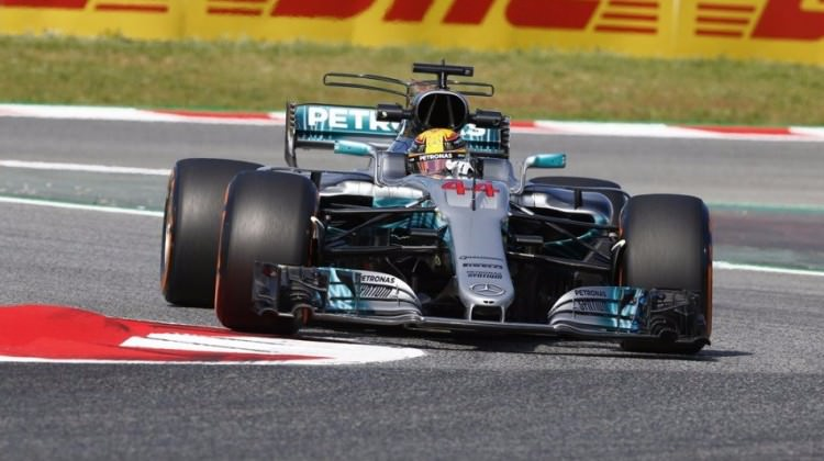 İspanya GP'de pole pozisyonu Lewis Hamilton'un