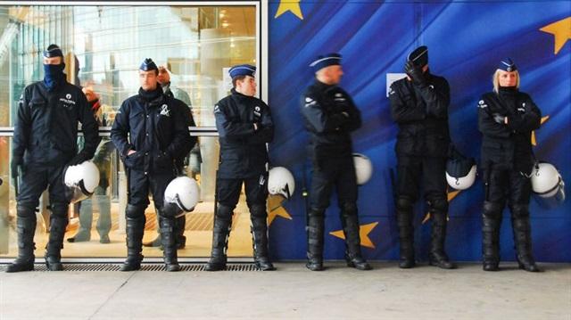 İspanya polisi Europol desteğiyle dev çeteyi çökertti