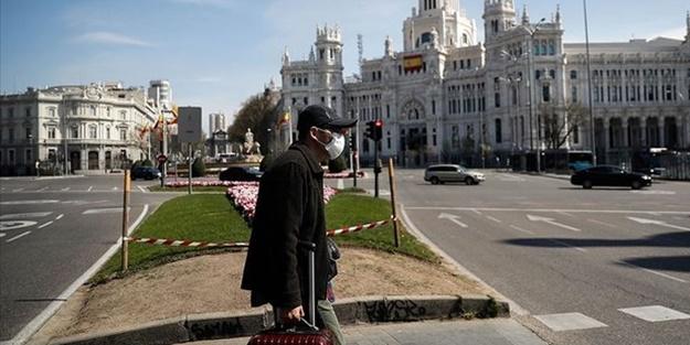 İspanya'da doktorlar test yapmayı bırakıp toplu dua etmeye başladı