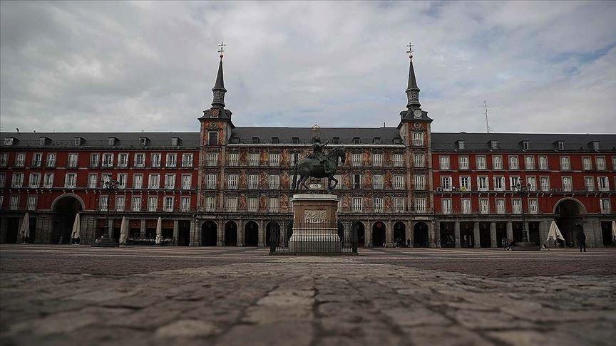 İspanya'da koronavirüsten dolayı ilan edilen olağanüstü hal uzatıldı