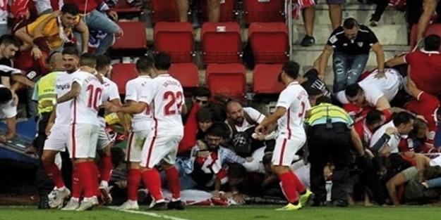 İspanya'da La Liga maçında tribün çöktü! Sevilla Eibar