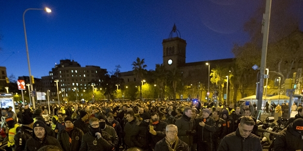 İspanya'da polisler sokağa indi