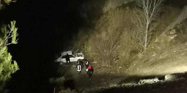 Isparta-Burdur Dağ yolunda feci kaza! 50 metrelik uçurumdan düştüler
