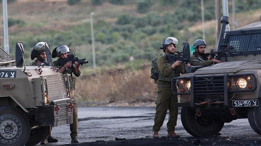 İsrail askerleri Batı Şeria'daki gösteride Filistinli bir genci yaraladı