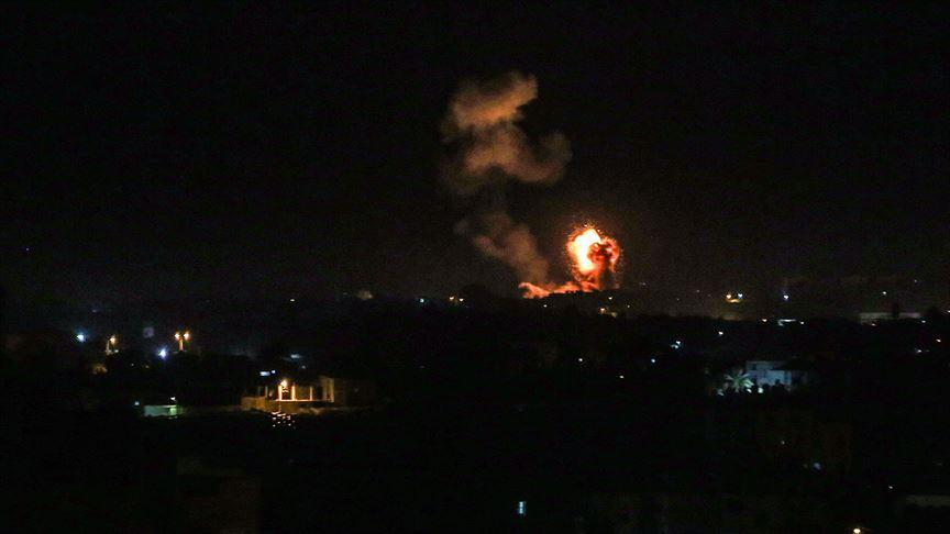 İsrail Hamas'a bağlı bir noktayı bombaladı