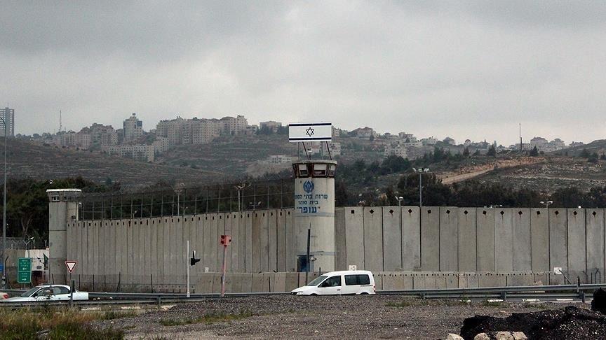 İsrail hapishanelerindeki 5 Filistinli 'idari tutukluluk' kararını protesto için açlık grevine başladı