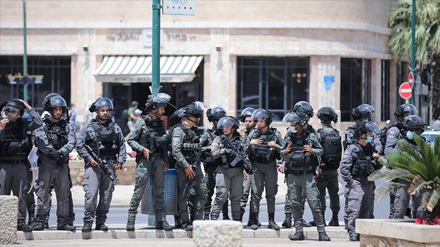İsrail polisi, Yafa kentinde gösteri düzenleyen Filistinlilere saldırdı