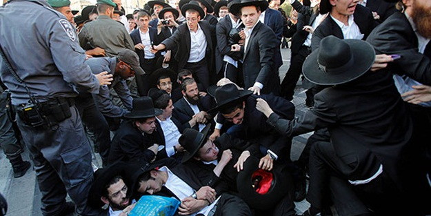 İsrail polisi Yahudilere saldırdı: 40 gözaltı