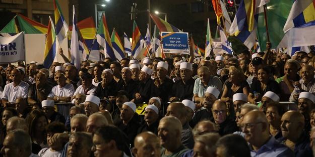 İsrail'de dev protesto! Hedefte Netanyahu var