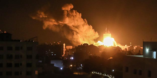 İsrail'den Gazze'de Hamas'a ait hedeflere hava saldırısı