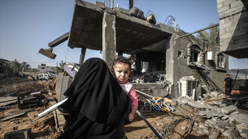 İsrail'in Gazze'ye hava saldırılarında 16 kişi hayatını kaybetti