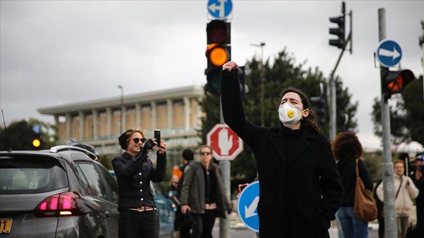 İsrailliler, hükümete Kovid-19 yaptırım yetkisi veren yasa tasarısını protesto etti