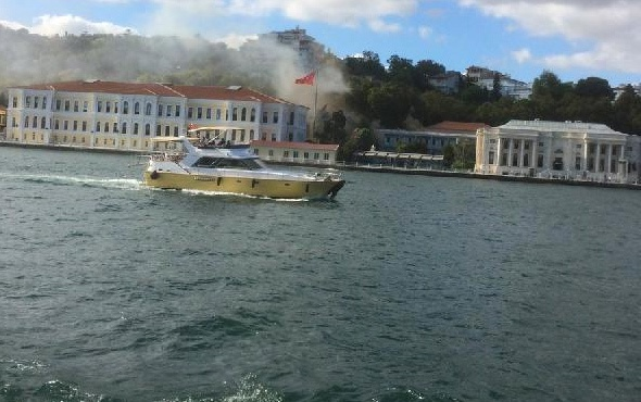 İstanbul Beşiktaş'ta korkutan yangın!