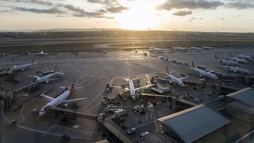 İstanbul havalimanları yolcu sayısını yükseltti
