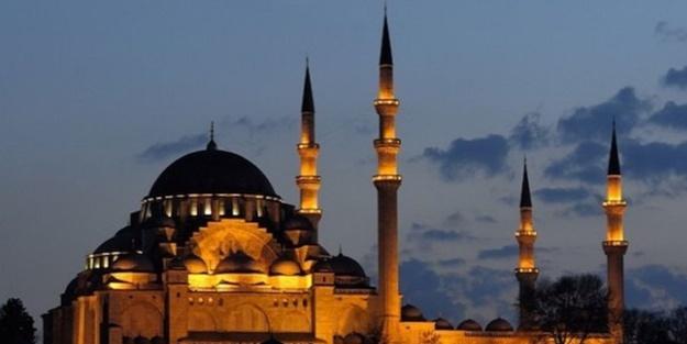 İstanbul Müftülüğü açıkladı: Ezan saati değiştirildi