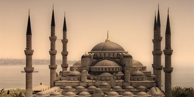 İstanbul yatsı namazı vakti! İstanbul yatsı ezanı saati!
