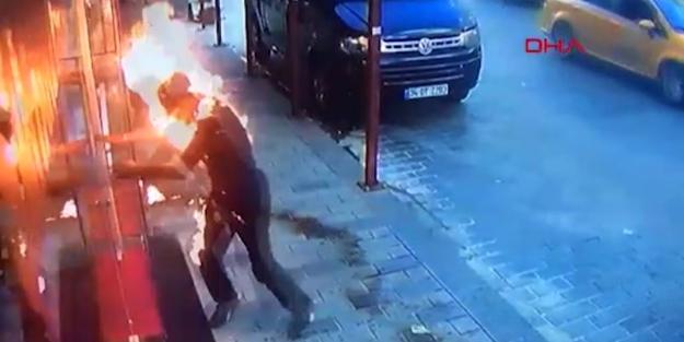 İstanbul'da dehşete düşüren görüntüler! Tiner döküp kardeşini ateşe verdi