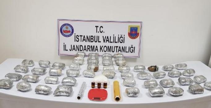 İstanbul'da Jandarmadan uyuşturucu operasyonu: 30 kilo eroin ve kokain ele geçirildi