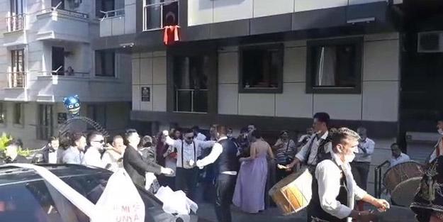 İstanbul'da skandal görüntüler! Yüz binlerce insan ölmemiş gibi davul zurna eşliğinde göbek attılar