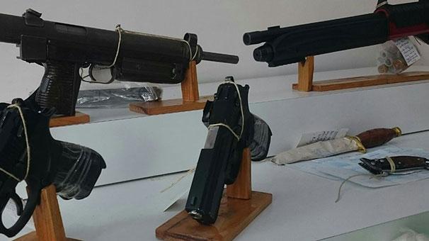 İstanbul'da tahsilat çetesine operasyon! CZ 25 tam otomatik tüfek...