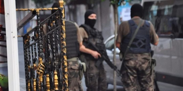 İstanbul'da terör örgütüne darbe