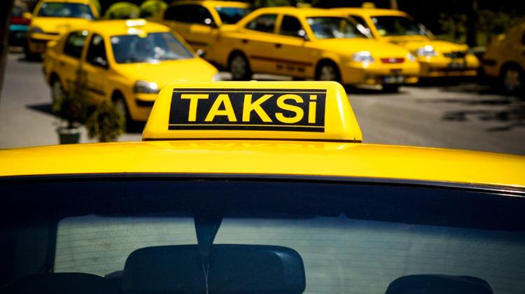 İstanbul'da turisti dolandıran taksiciye 10 yıl hapis