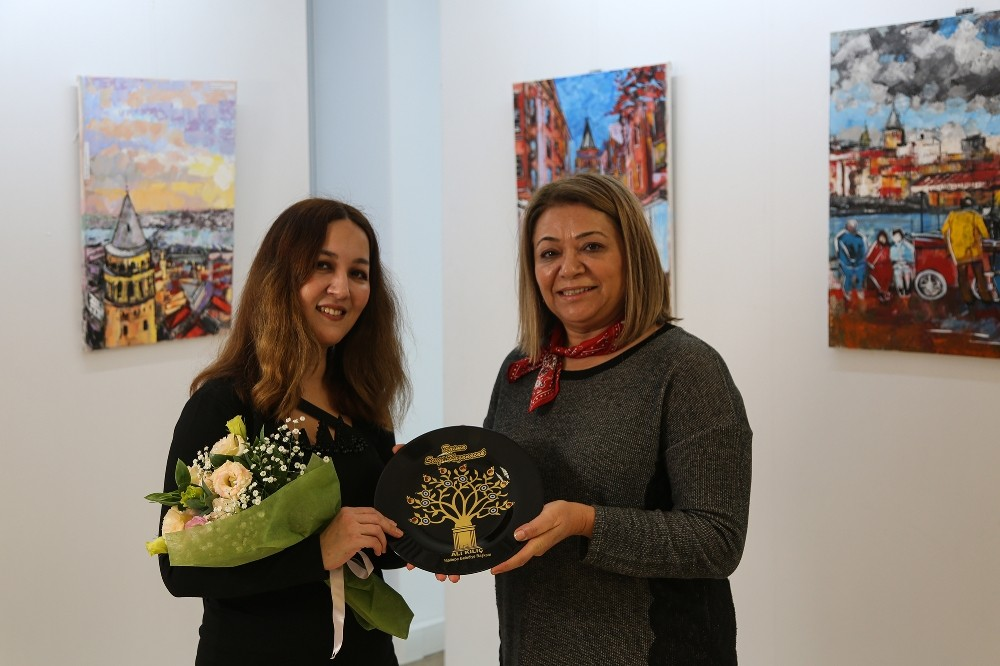 """""""İstanbul'un Renkleri"""" sergisi Maltepe'de açıldı"""