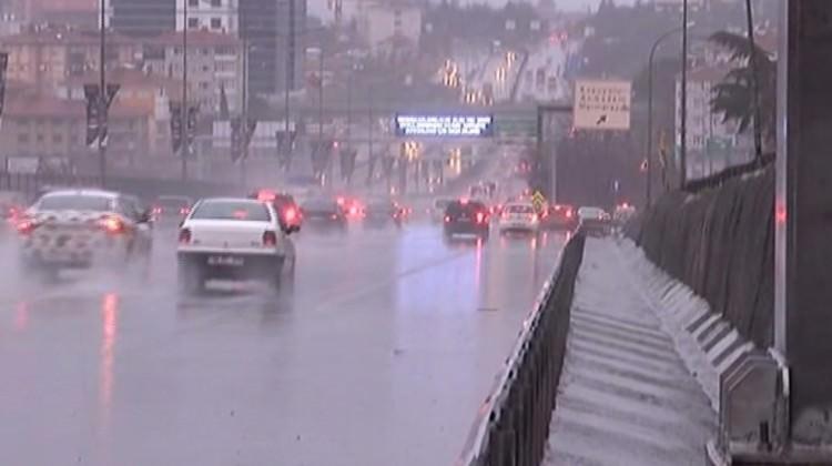 İşte İstanbul'da fırtınanın bilançosu!