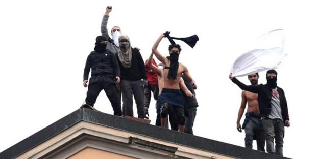 İtalya'da yağma ve isyan başladı!