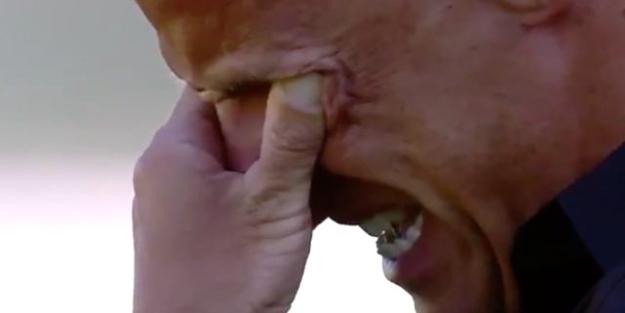 İtalyan teknik adam gözyaşlarına boğuldu