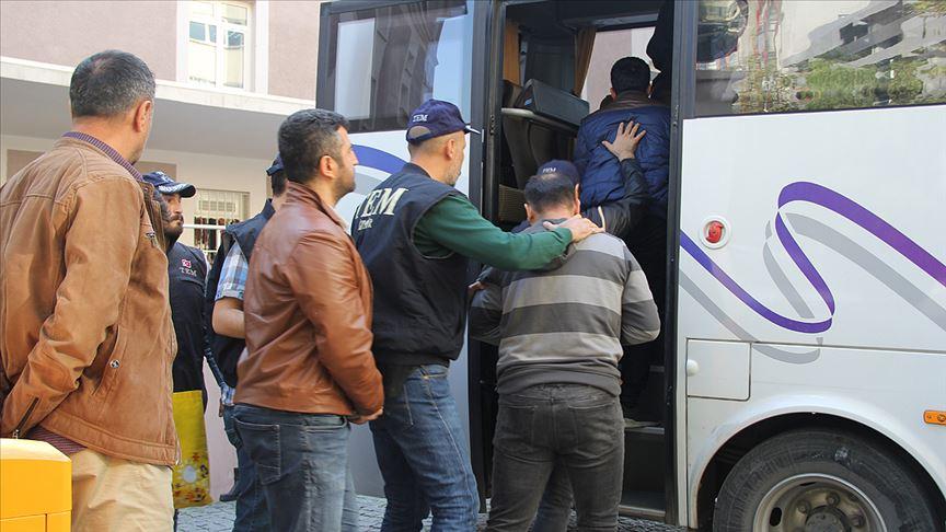 İzmir merkezli FETÖ operasyonunda gözaltı sayısı 118 kişi oldu