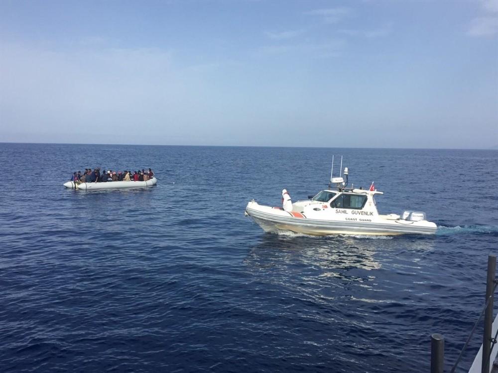 İzmir'de 42 sığınmacı kurtarıldı