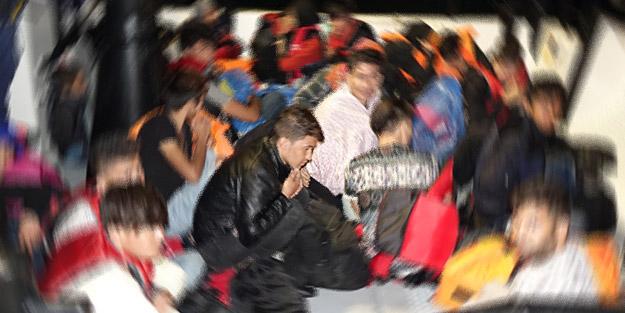 İzmir'de 99 kaçak göçmen yakalandı