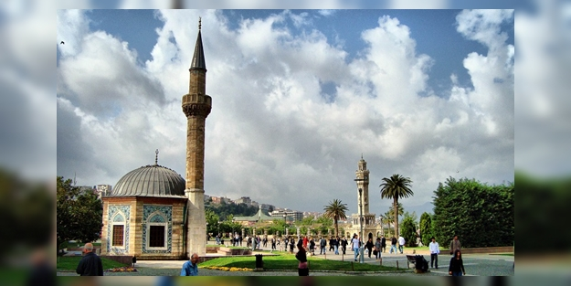 İzmir'de cuma namazı saat kaçta? İzmir cuma namazı saati