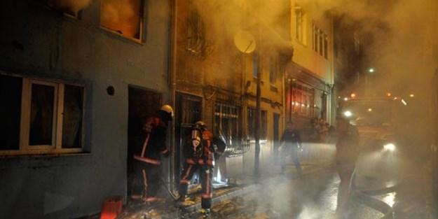 İzmir'de fabrika yangını