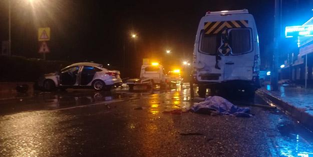 İzmir'de feci kaza! 21 yaşındaki genç sürücü olay yerinde hayatını kaybetti