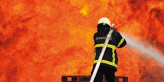 İzmir'de feci yangın!