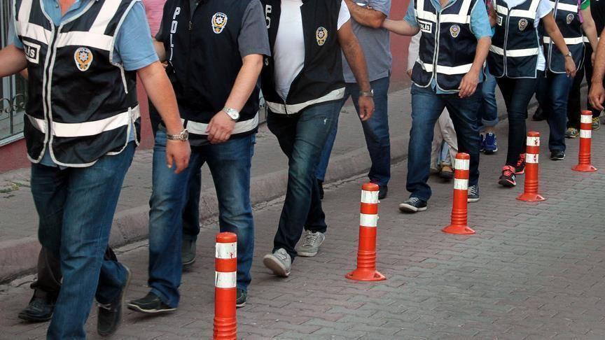 İzmir'de FETÖ operasyonu: 31 gözaltı
