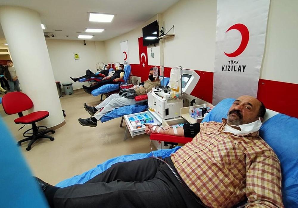İzmir'de kan stokları kritik seviyenin altına düştü