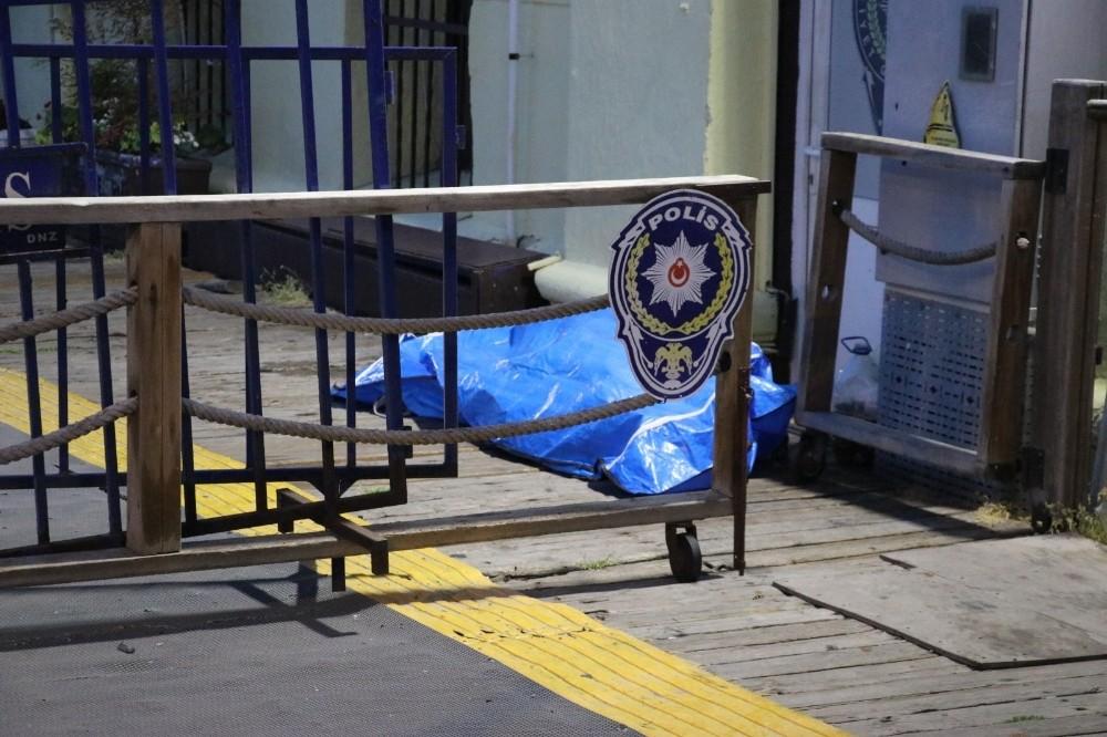 İzmir'de kayıp olarak aranan şahsın, denizde cesedi bulundu