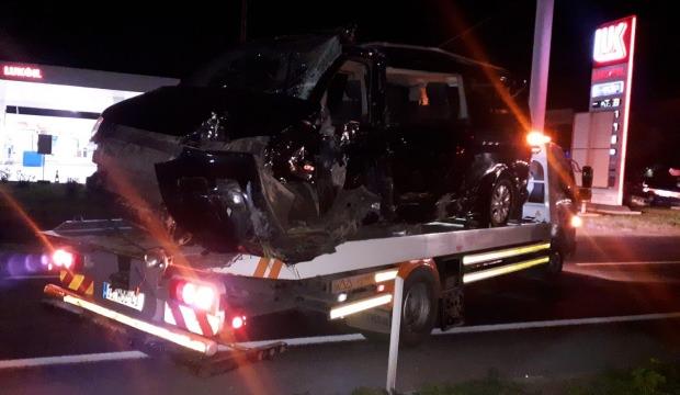 İzmir'de TIR ile minibüs çarpıştı: 1 ölü