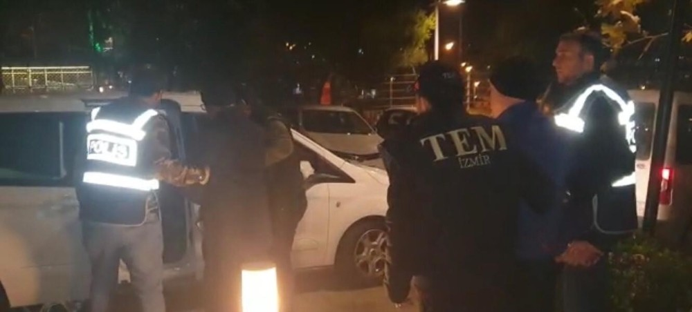 İzmir'de yakalanan Bekmezci, elebaşı Gülen'in canlı kuryeliğini yapmış