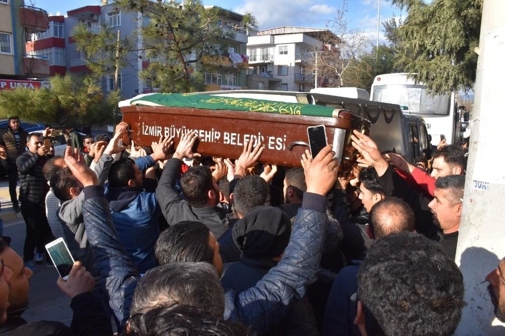 İzmir'deki çifte cinayette komşu şüphesi