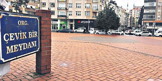 İzmir'in utancı 'Çevik Bir Meydanı'