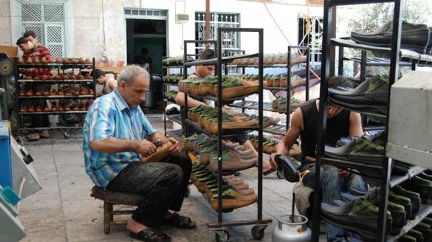 İzmirli ayakkabıcılardan ücretlerine zam isteği