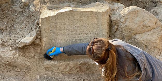 İznik'te 1500 yıllık mezar odası keşfedildi! Kitabede öyle bir mesaj var ki...