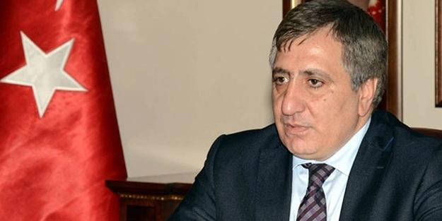 İzzettin Küçük kimdir? Davutoğlu'nun parti heyetinde yer alan eski Vali İzzettin Küçük kaç yaşında, nereli?