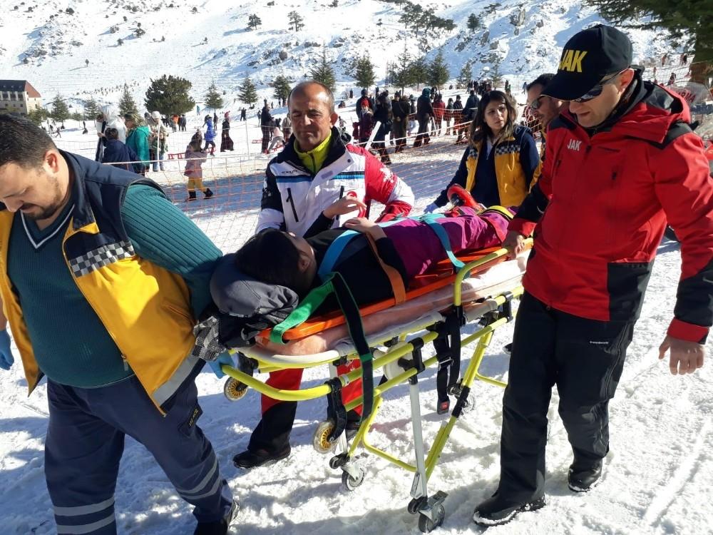 JAK Timlerinden, Davraz'da yaralanan 59 kişiye ilk yardım