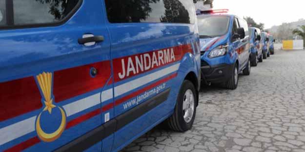 Jandarma suç aletleriyle yakaladı! Çukur kazan 3 kişi gözaltına alındı