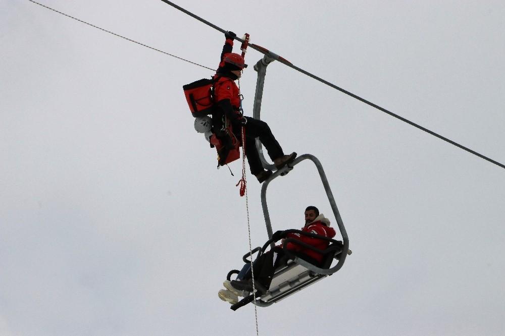 Jandarmadan kayak merkezinde kurtarma tatbikatı